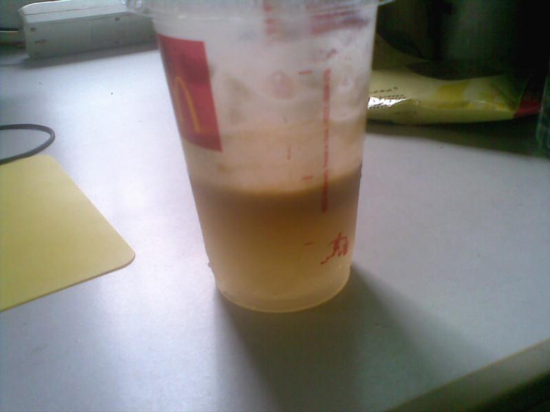 kfc 麦当劳的阳光橙麦炫酷是粉冲泡的吗?为什么我买的图片