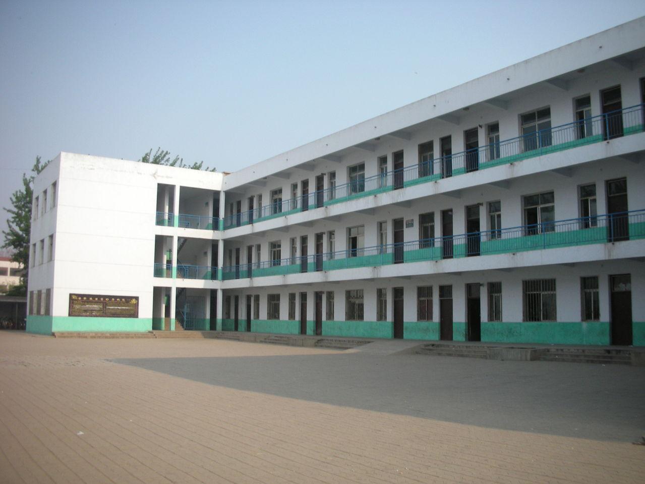 广平县第一中学 遵义县第一中学 郸城县第一高级中学图片
