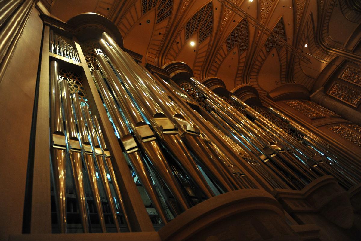 武汉琴台音乐厅的管风琴图片