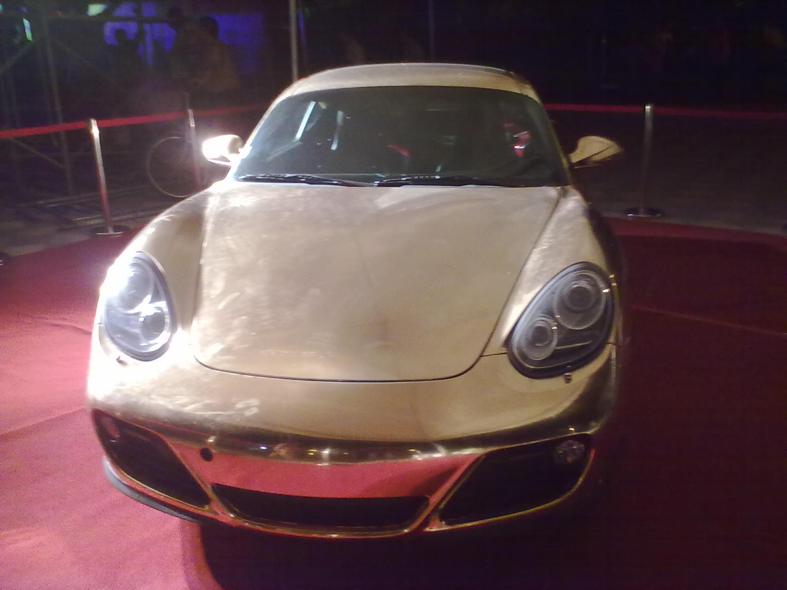 豪车 布加迪威龙什么的就叫豪车 纯黄金打造的posche 911高清图片