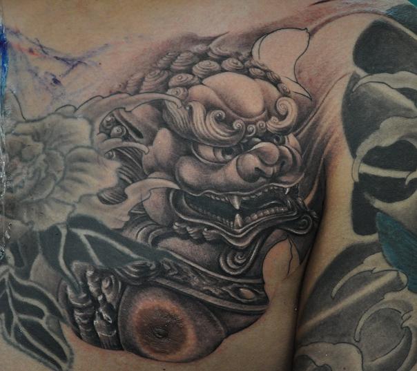 胸口唐狮纹身图案图片