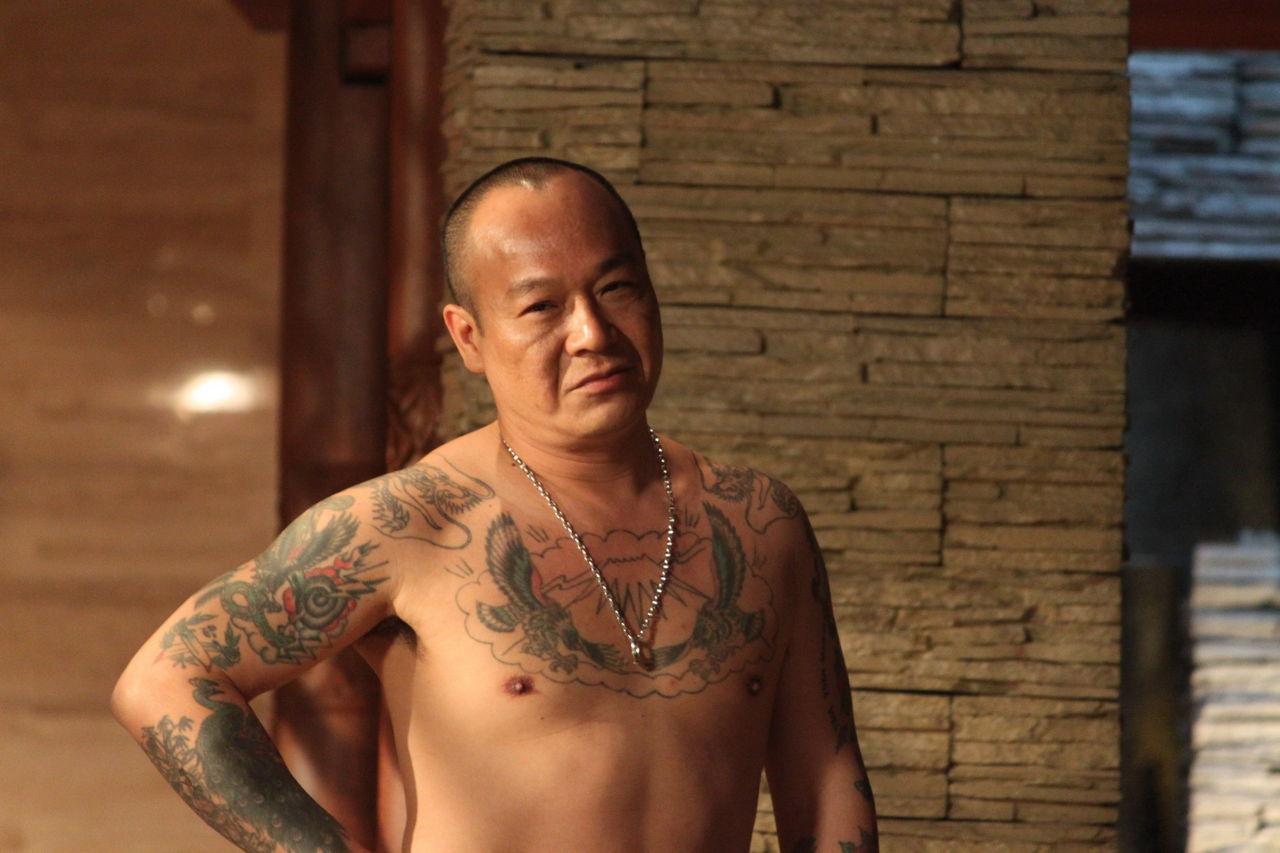 陈小春饰演的山鸡其实和书中的66性格蛮像图片