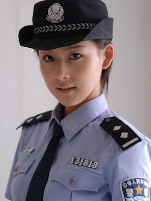 大同最美女交警