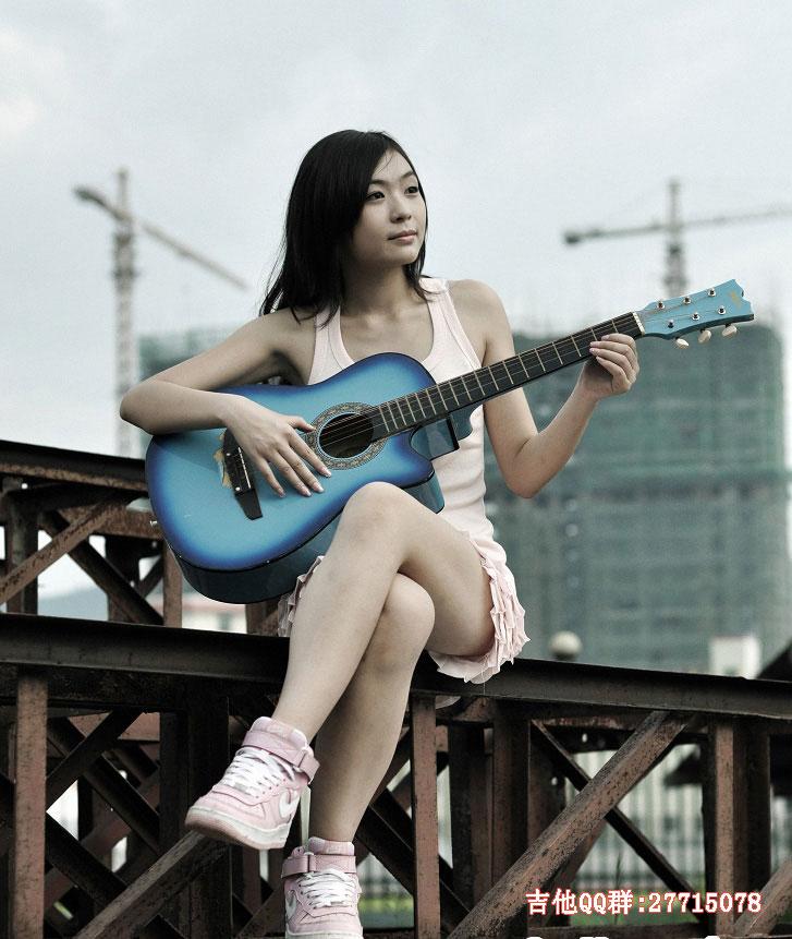 【吉他图】发一些美女弹吉他的图图
