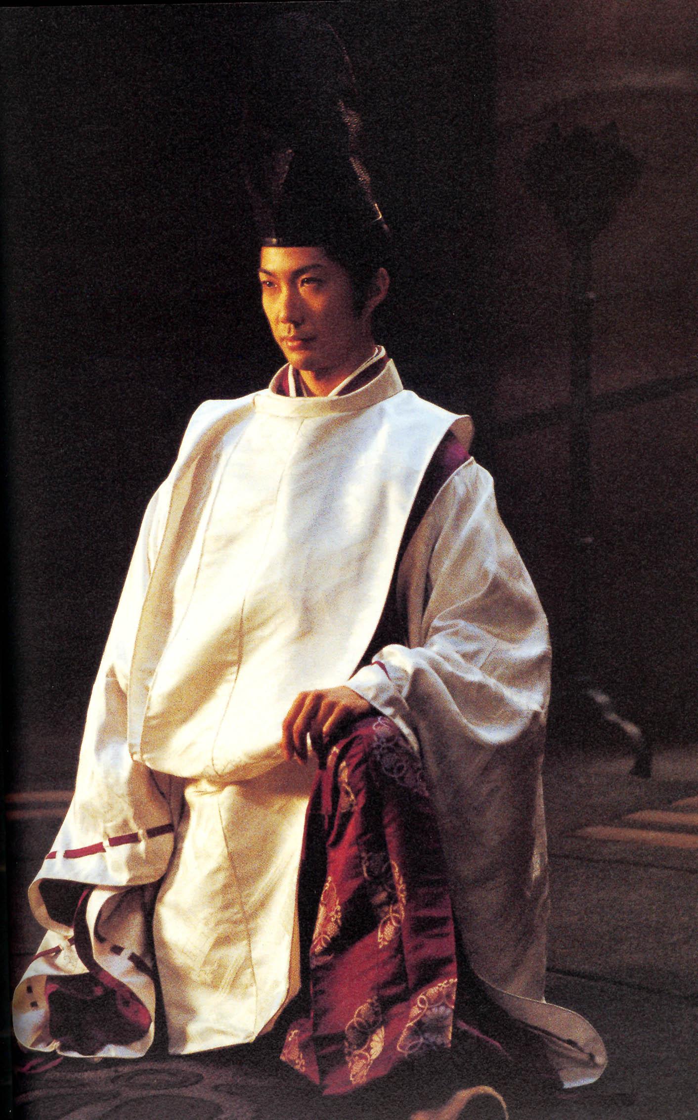 人体艺术暴露�_有部日本电影讲的是捉鬼的里面的道士男主角非常帅.