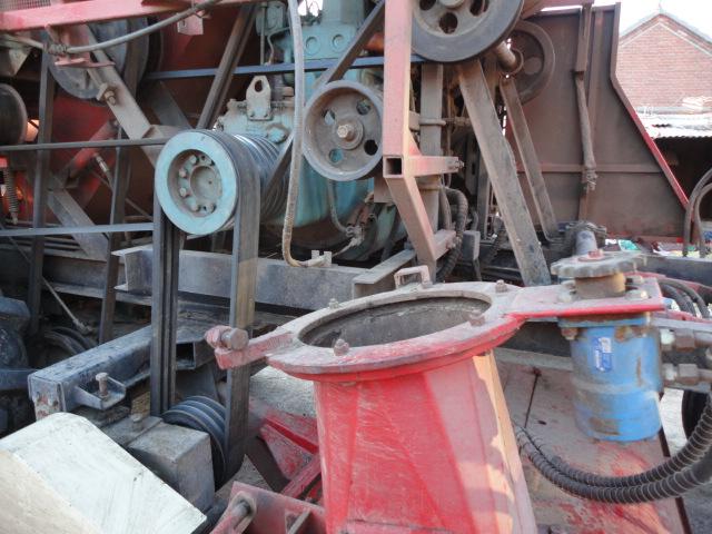 出售11年可回收秸秆也可还田的博远玉米收割机-玉米收割机吧 雷沃谷