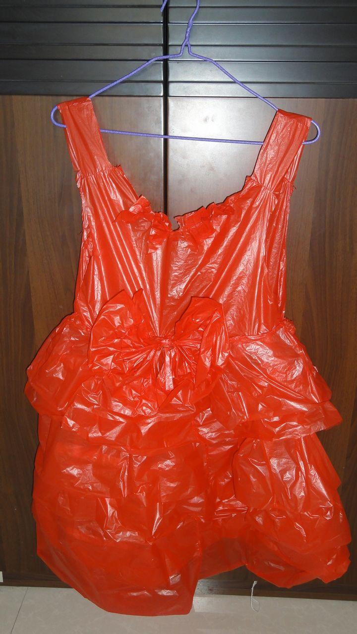 用塑料袋做裙子图片/塑料袋做儿童裙子/手工制作裙子图片
