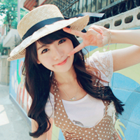 长发,看上去很唯美,齐刘海,给人一种邻家女生的清新感,皮肤白高清图片