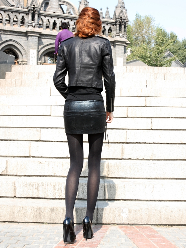 【街拍】高清巨幅长腿细腰j品模特