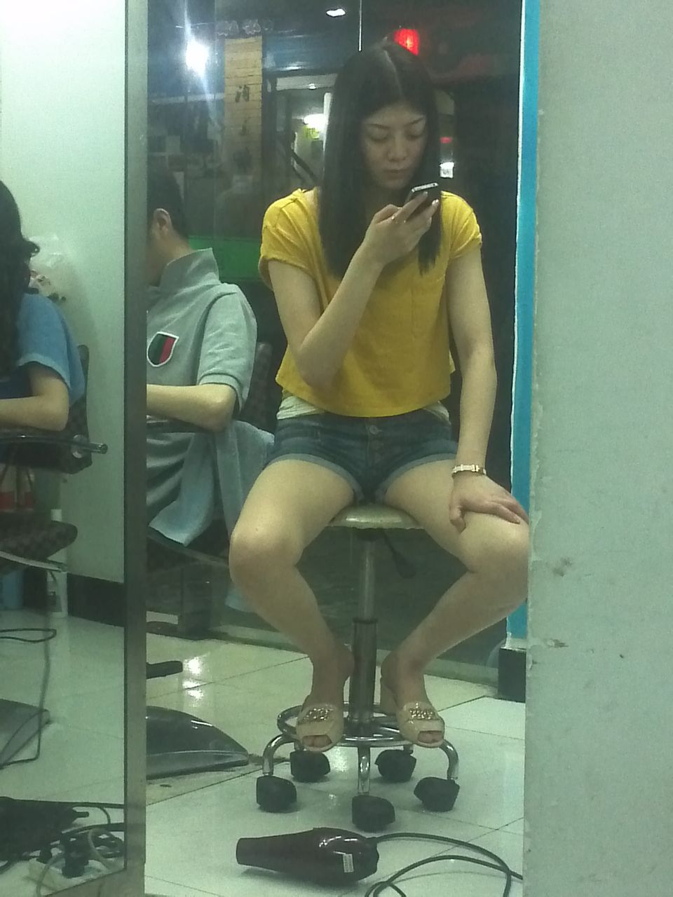 直播 美女 发型师吧