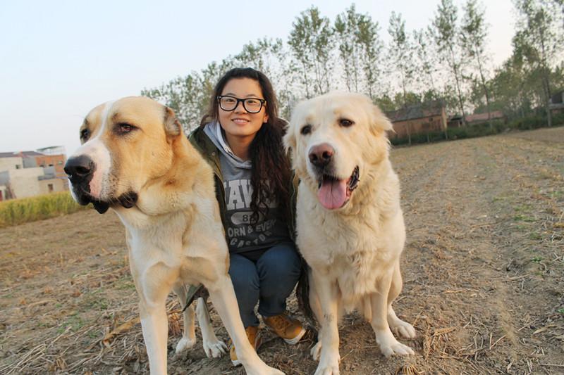 女人与狗兽交网站_狗狗日女人能狂插多长时间狗交是很享受的,不管男人多强壮,都没法跟狗