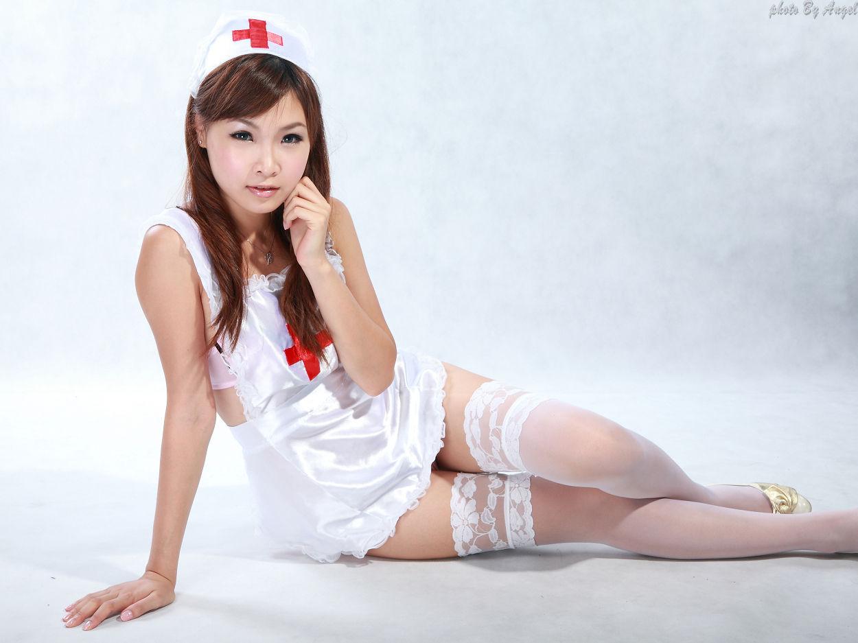 在小镇医院看到穿高跟鞋的护士