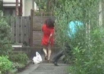 日本街头猥琐男菊爆美女~~~~有图