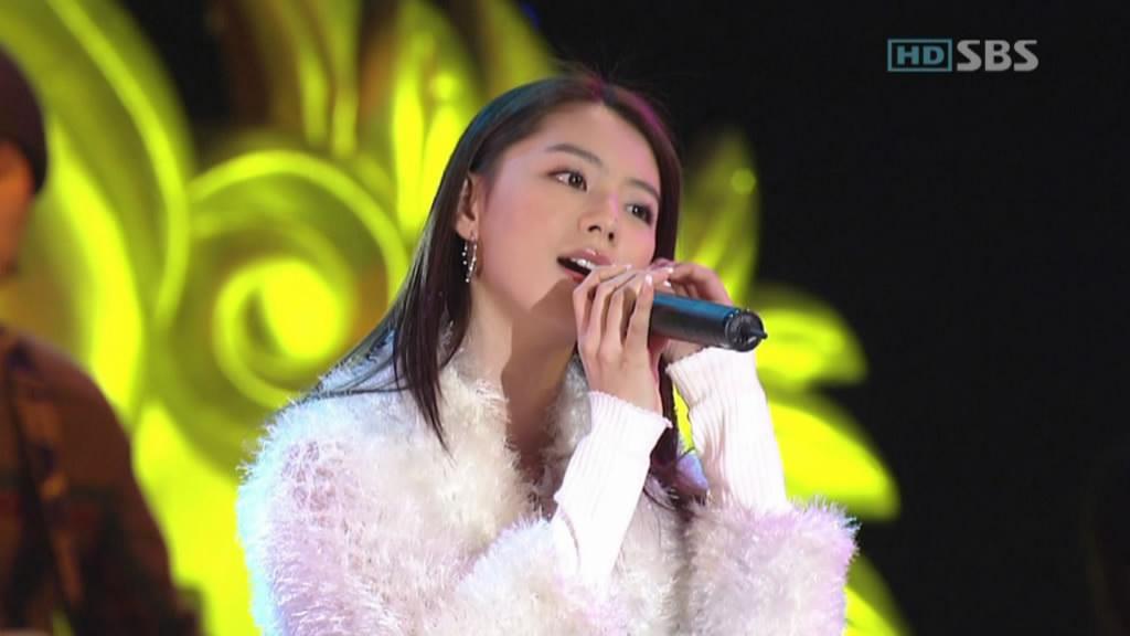 0318韩国美女的典型标记――鼻子上的痣