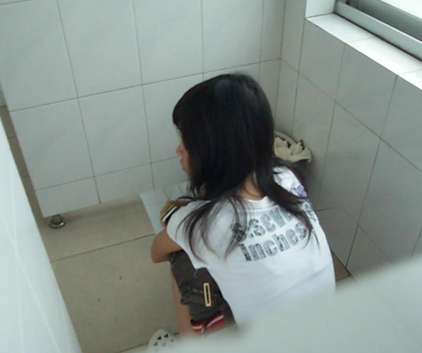 厕所拍到的