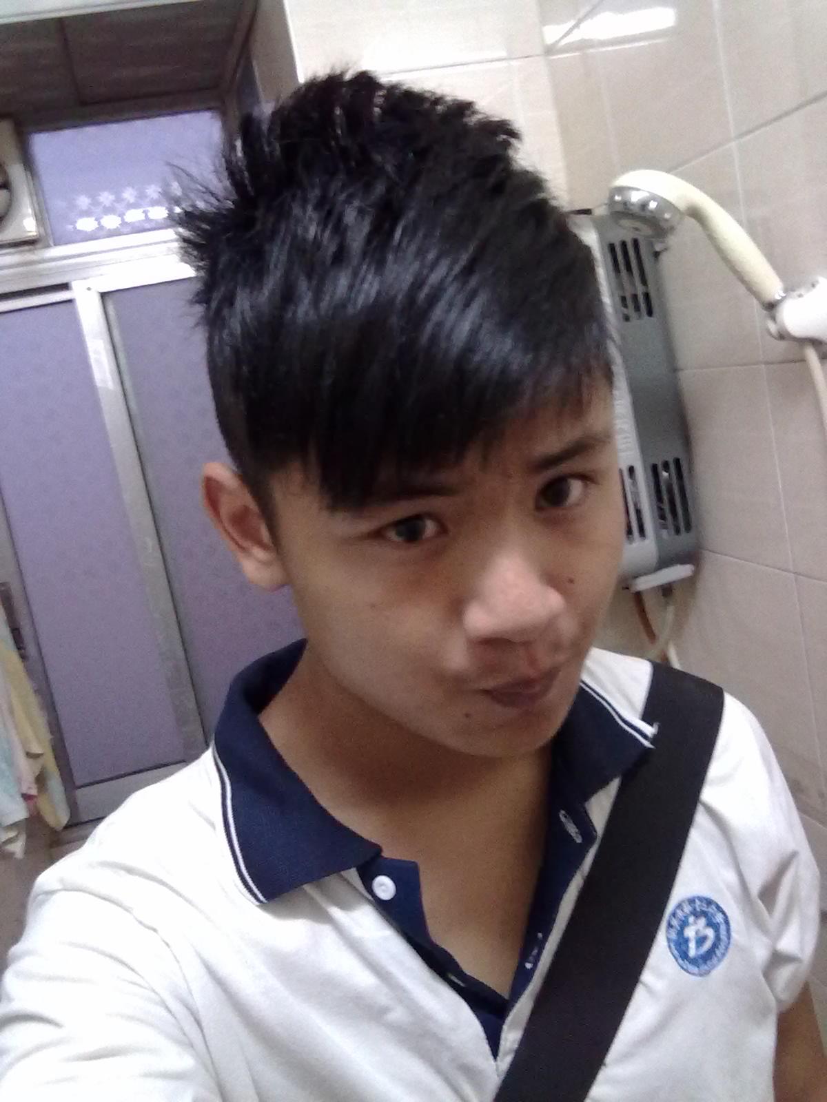 男生尖脸头型发型 16岁尖脸男图片