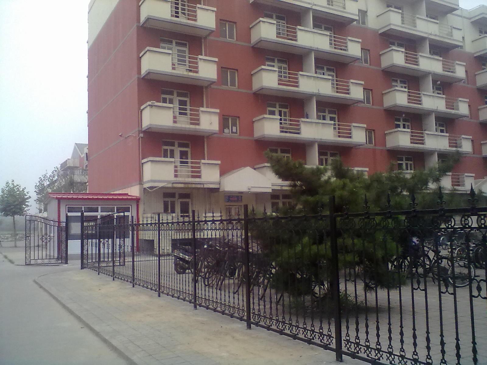 听所 公寓村 多了几道防盗门_唐山学院吧_百度贴吧图片