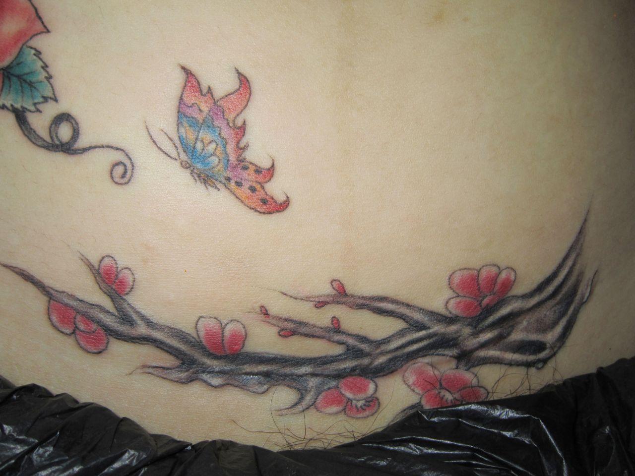 盖名字的小纹身图案分享展示图片