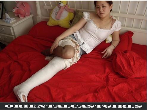 一些腿上绑绷带的图片!