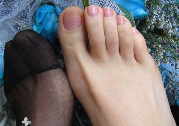 这么多人喜欢女人脚 楼主脚加工成这样了
