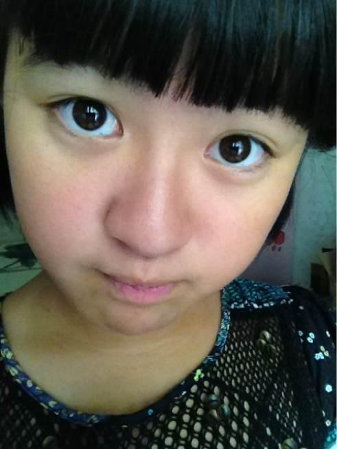 发型设计 齐刘海素颜女生自拍 > 抿嘴自拍##平刘海##酒窝大赛  抿嘴图片