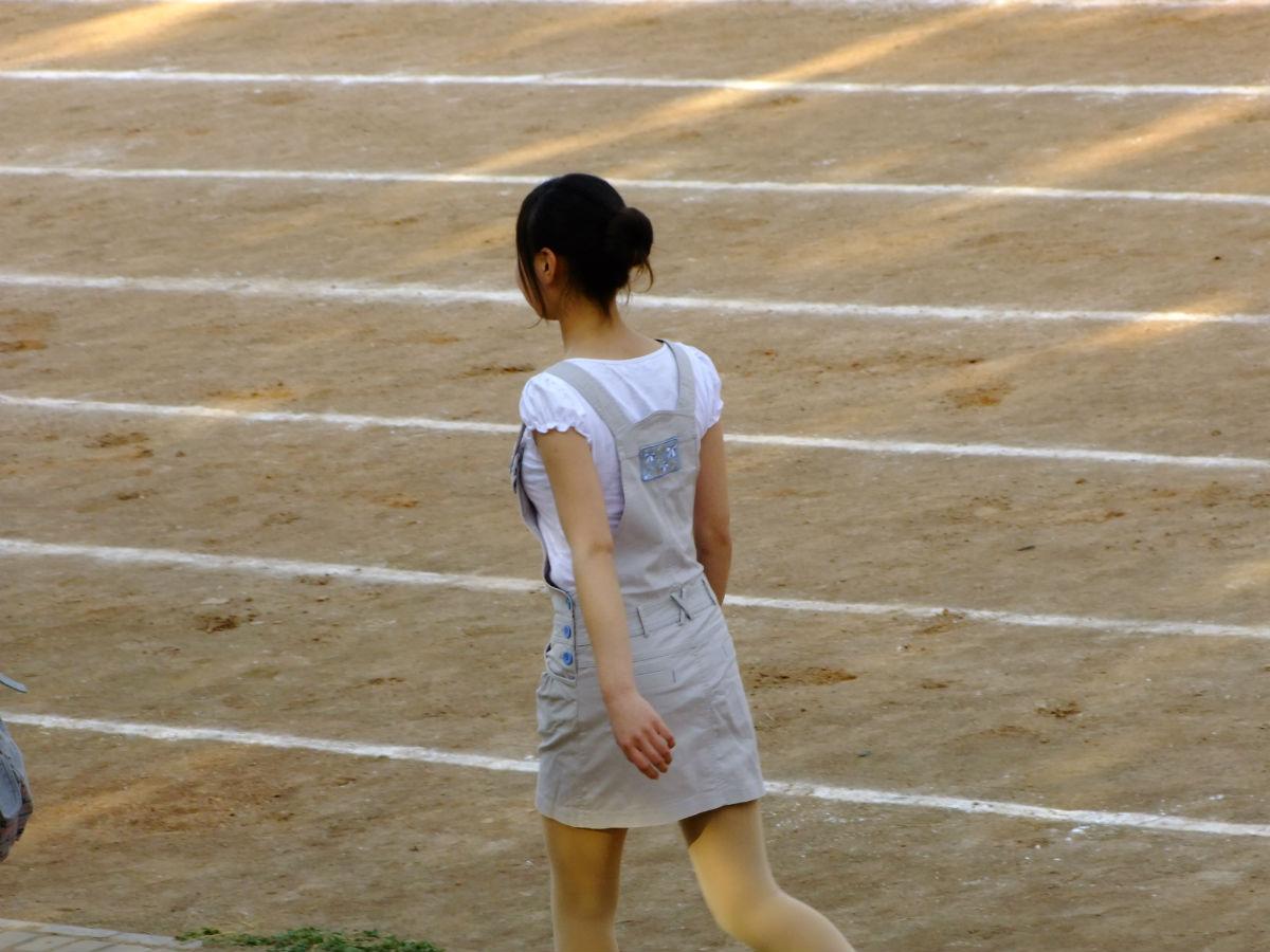 男女做愛自拍偷拍_中学生情侣躲校园里做爱玩自拍反遭偷拍 台湾一对中学生情侣在新竹县