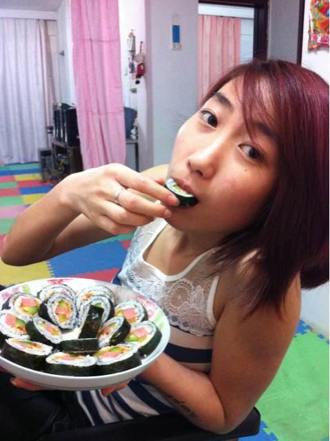 吃寿司啦 我家美女做的 竖