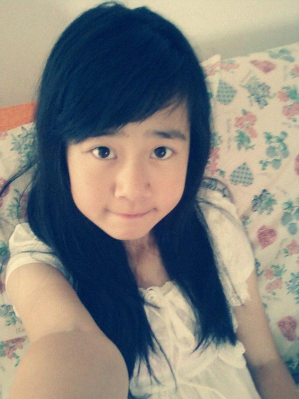 13岁女生头像真实照片图片