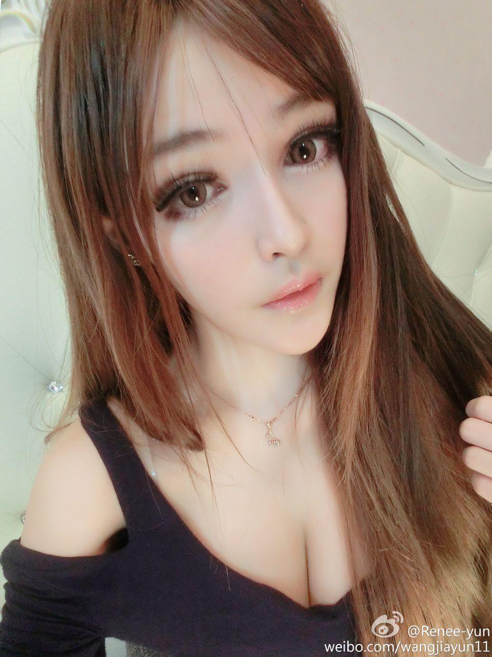 网络红人王嘉韵 无数宅男心目