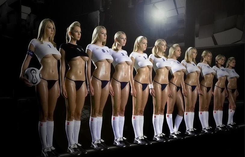 看图开撸~~~光屁股的女子足球队~~~~貌似西班牙1:0
