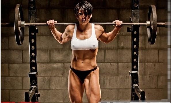 我觉得女人这样的身材很好看!很性感!