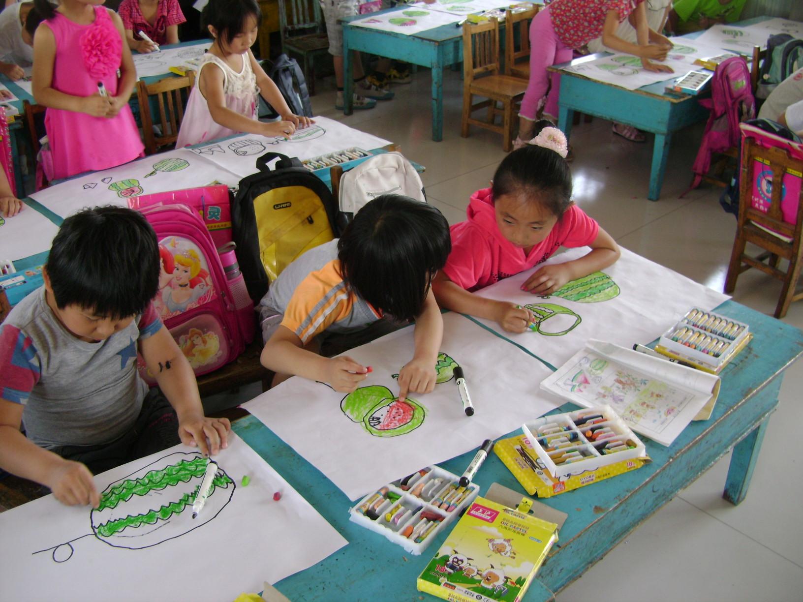 南关幼儿园美术班图片