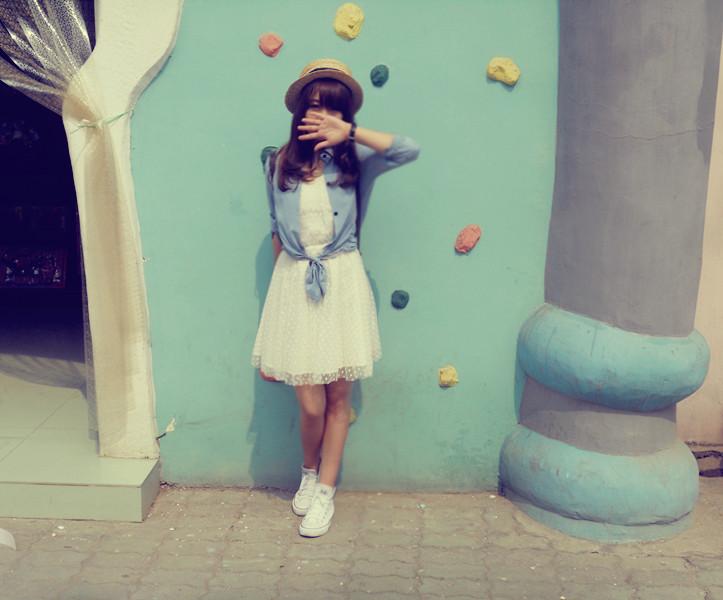 我很喜欢穿匡威帆布鞋