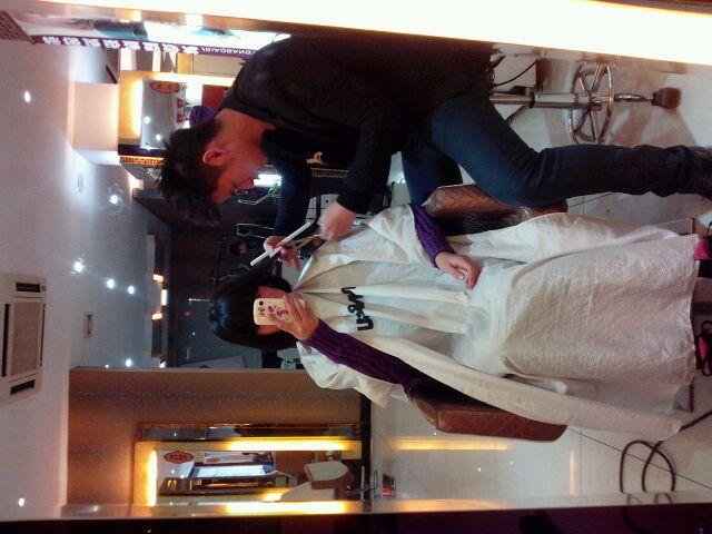 我正在理发店剪头发图片图片图片