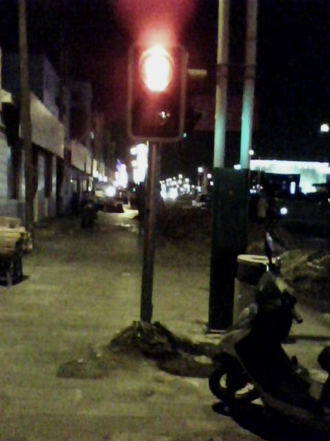 人行道上的红绿灯 怕撞人有木有 经棚吧 百度贴吧 高清图片