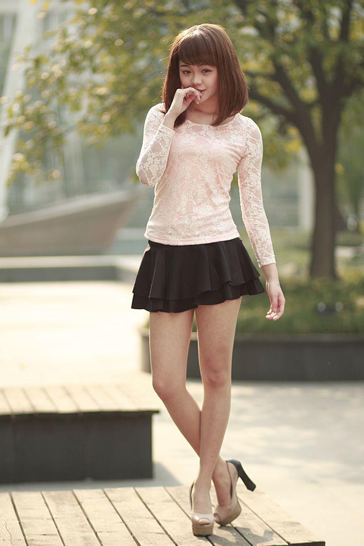 齐b小短裙的美女齐b小短裙过膝袜短裙性感齐b小短裙 竖
