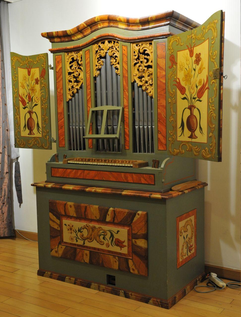 古董级管风琴图片