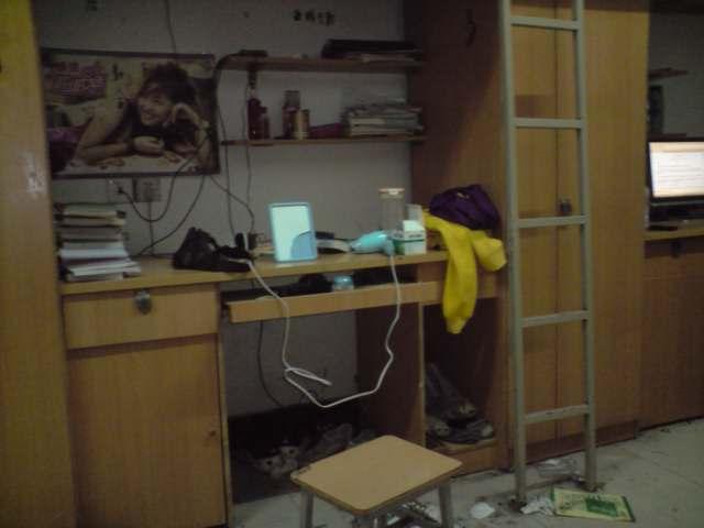 大学女生宿舍内景!图片