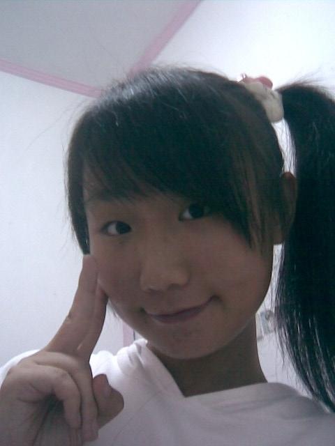 齐刘海漂亮女孩照片