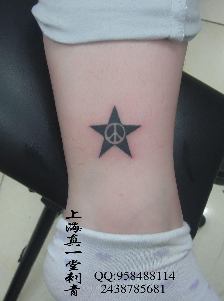 男士手上纹身英文字母分享展示图片