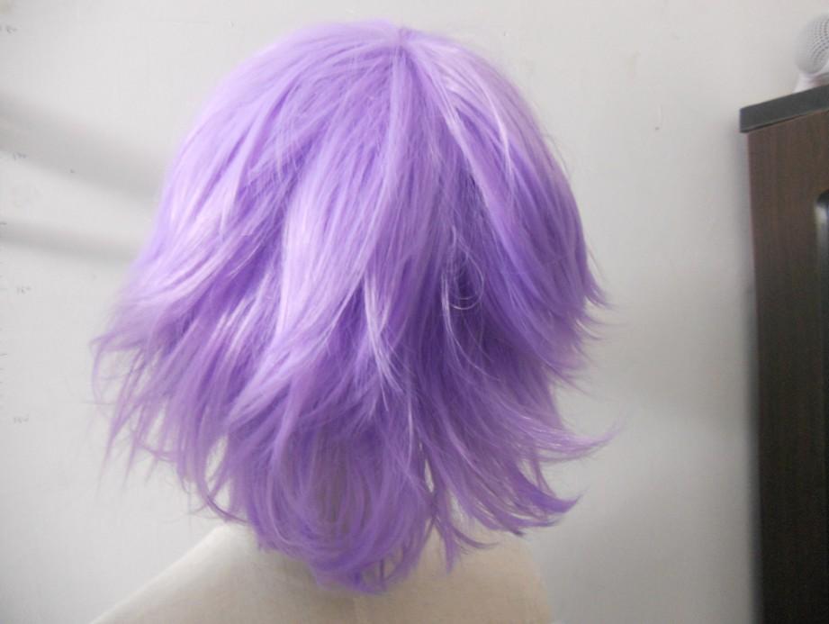 葡萄紫色挑染头发图片