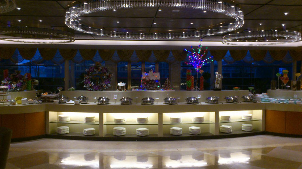 王朝酒店美女 酒店美女服务员图片