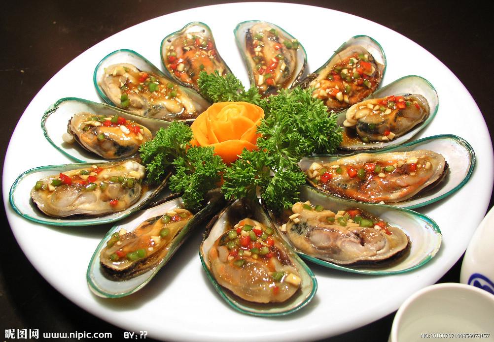 去吉林市必需吃的美食开幕式上,中共吉林市委常委
