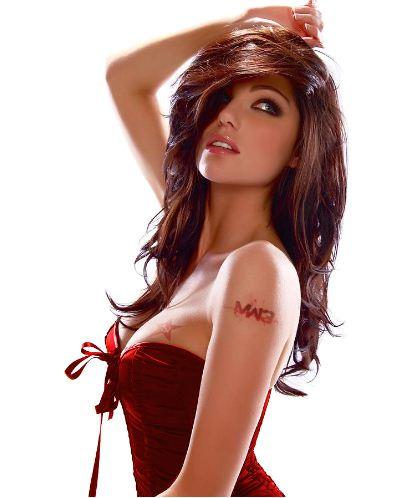 这位红发美女是谁?哪位大神介绍下?