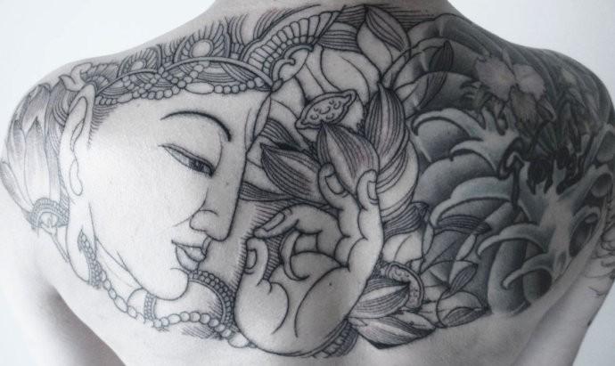 半背纹身图案大全男 瘦人分享展示图片