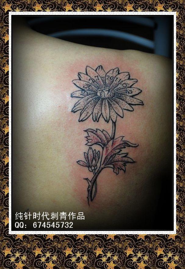 这是客人为纪念去世的父亲而做的纹身,愿天下所有的父母健康长寿.图片图片