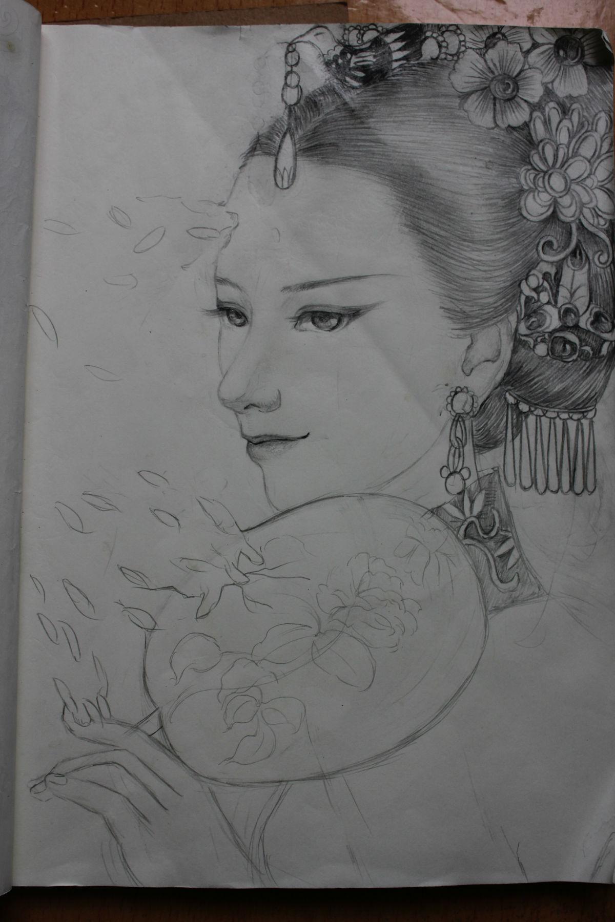 铅笔手绘黑白古装美女