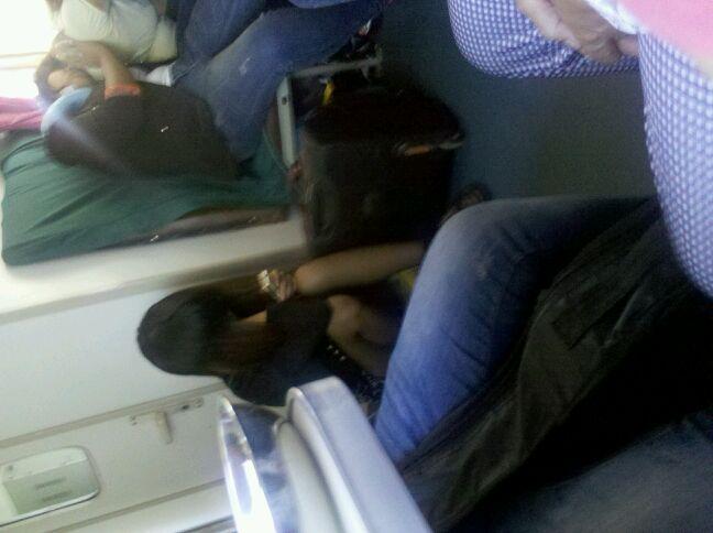 短丝火车黑丝火车上的美女火车