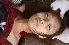 屠宰美女割喉放血