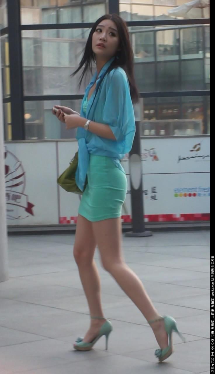 韩国美女掰开大腿_丝袜美女张腿